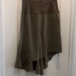 Brand new Elizabeth and James army green skirt NWT